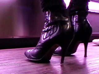 Women in nylons upskirt Random women in heels no. 253