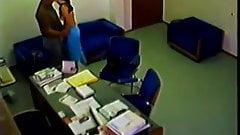 オフィスの隠しカメラ