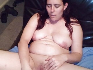Woman Using Black Dildo To Masturbate And Squirt XhezU