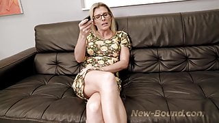 StepMom and StepDaughter has sex for the First Time