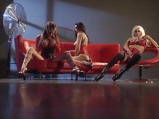 Do females masturbate - Three sexy females masturbate