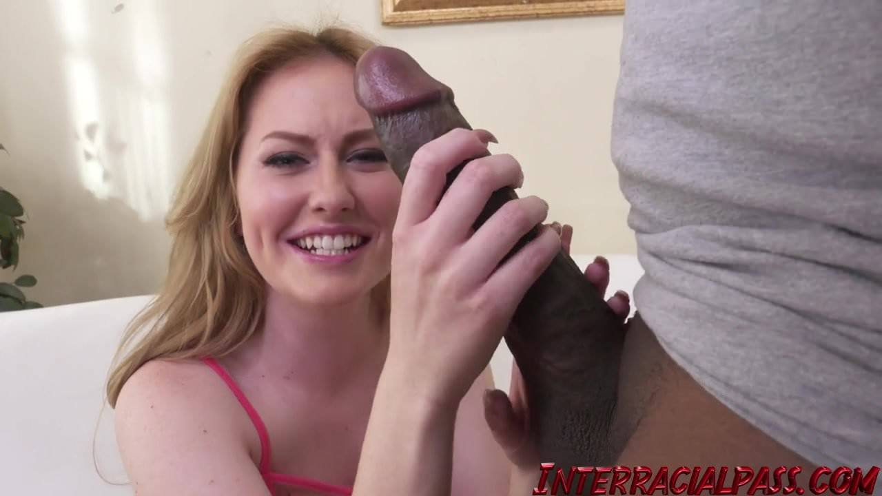 Amateur Asian Takes Big Cock
