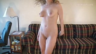 Amy shakin ass and titties