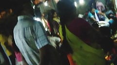 Aunty in saree gets groped