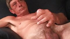 Amateur Billy Beating Off