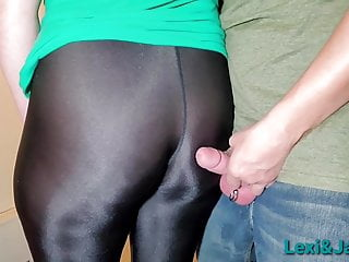 Mature In Spandex Yoga Pants Leggings Gets Big Ass Play XhFCkUx