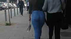 grosses arsch in jeans
