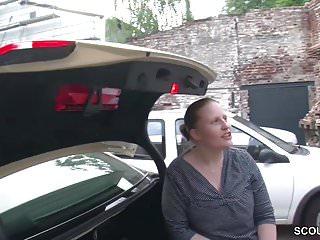 Tg fiction bikini - Jungspund darf milf taxifahrerin fuer ein kleines tg ficken