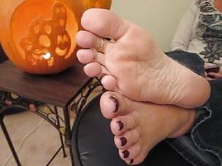 Mature milf soles