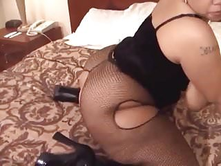 Extra thick black escort - Thick light skin shaking shaking her booty