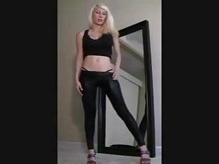 Minxy ass lickers Minxie tease in leggings part 2