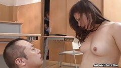 Asian bitch gets her wet pussy fucked so she cums
