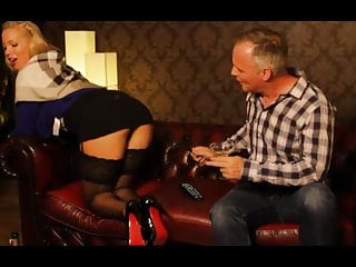 That fucked up British milf gets fucked up the arse in stockings
