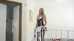 Bubble butt MILF AJ Applegate rides giant black schlong