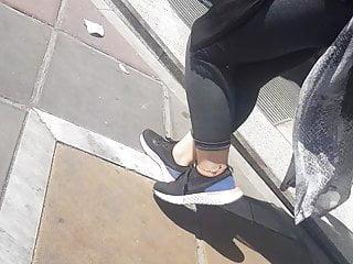 Fetish girls in public Spying girl in gray legging in public persian girl