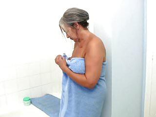 Nude girls april Bathtime play with april thomas