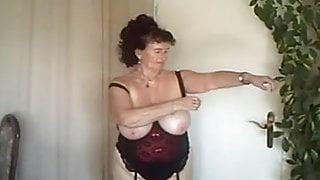 Mature in the Webcam R20