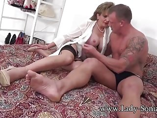 Got to go pee picture Milf sonia is fucked hard and got to squirt