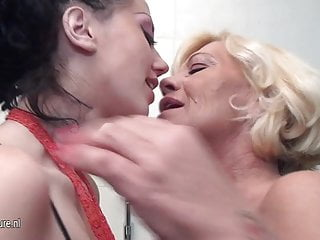 Grandmother lesbian gallery Hot young lesbian plays with grandmother in bath