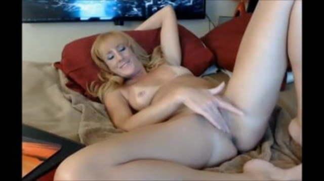 Skinny Blonde Ehefrau Webcam