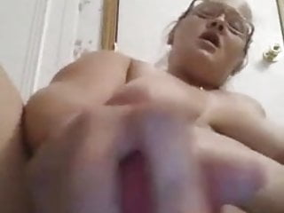 Using a vibrator with pregnant - Bbw using a vibrator on herself