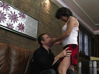 Boy fucking a beautiful mature mother Mature mother fucking her way younger boy