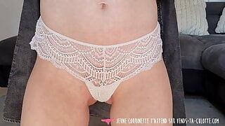 Vends-ta-culotte - Young redhead amateur girl masturbating