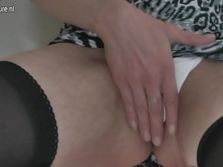 Cum on her cheeks - Mature pervert slut mom loves to spread her cheeks