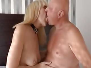 How to fuck her ass - Old lady knows how to fuck her man.