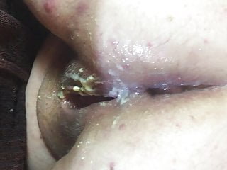 Eating cream pie after sex Megs arse after a good anal fucking and cream pie closeup