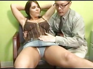 Face sitting porn tube - Face sitting and footjob action