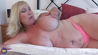 Big beautiful mom with super tits and wet cunt