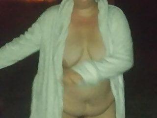 Floss bikini galleries Amanda doing the floss while flashing