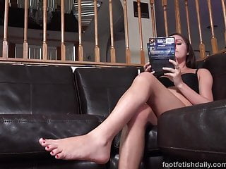 Cock thrusts in pussy - Young brunette has feet sucked and pussy thrusted until she