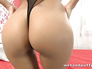 Pussy pump video tube Petite slut plays with a nice pussy pump