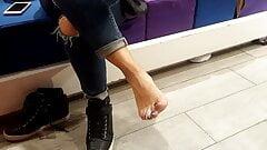 shoe shopping Gf shows sexy long big size feet toes