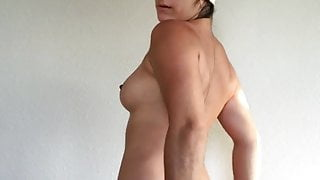 Sexy model Mida Mae shows fully nude body after shower