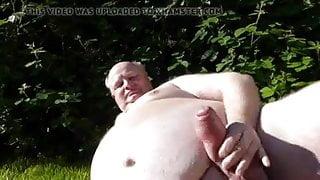 Abuelo con gran polla!!