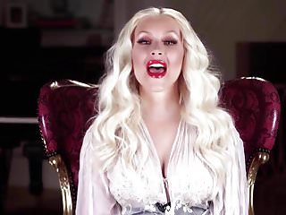 Christina aguilera pissed at gag - Christina aguilera