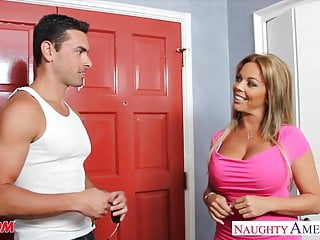 Amber lynn bach handjob - Busty blonde mom amber lynn bach fucking a large dick
