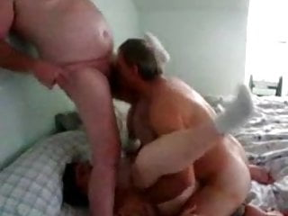 Gay bi husbands tgp - Bi bear blows husband while fucking wife