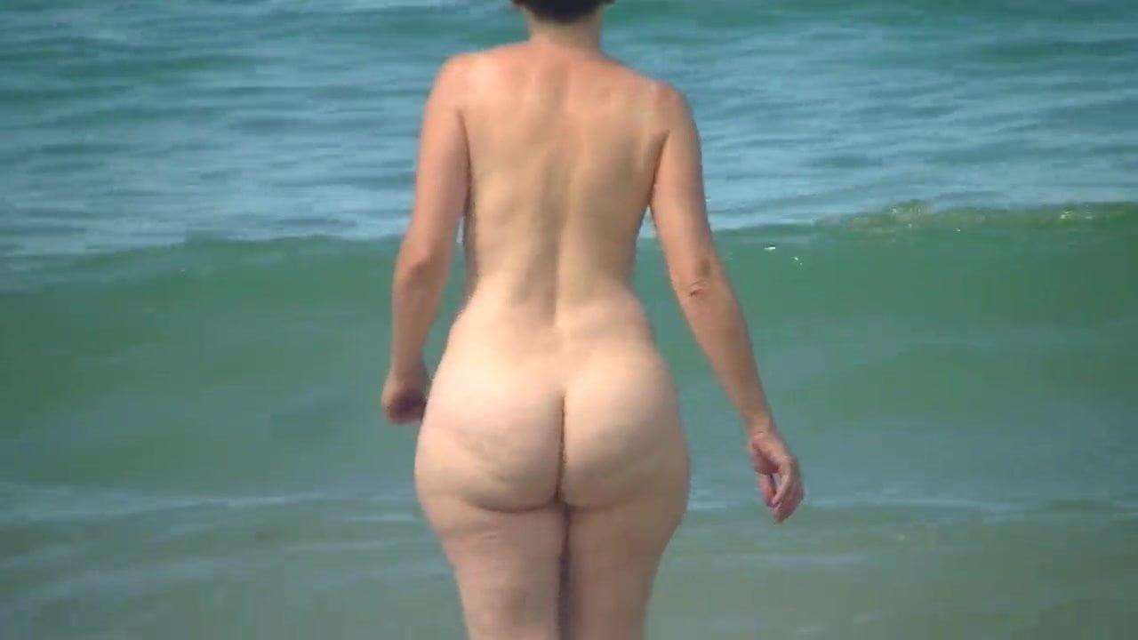 Mature Beach Porn