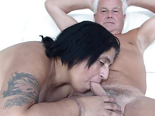 Male getting blow job Silver stallion get desi blow job