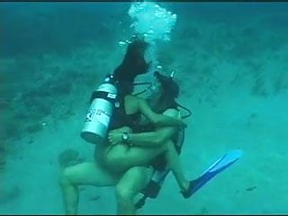 Banging the bottom Great sex on the bottom of the sea - part 2