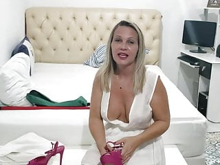 Sexy hooters girls youtube - Hot youtuber dona angelica - sexy milf cleavage and nipslip