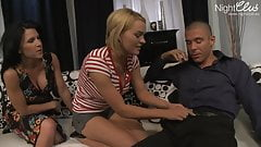 Home Affairs , Ehefrau braucht zusaetzliche Teenmuschi