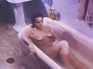 Bath fixture vintage - Linda blair in the bath