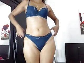 Ass milf shaking - Mature latina milf nicole ass shaking tease