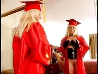 Graduate cum Natali demore - graduation present