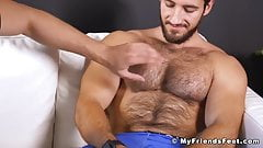 Hairy straight hunk receives armpit and feet worshipping